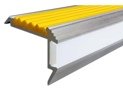 Как украсить лестницу с помощью профилей для подсветки ступеней